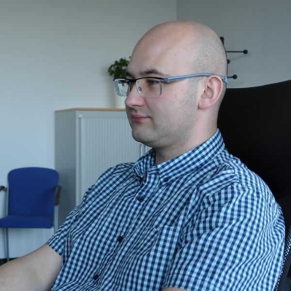 Maciej Ziarek - Ekspert ds. Cyberbezpieczeństwa